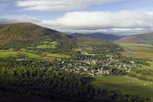 Braemar Village, Scotland, UK by Duncan Shaw