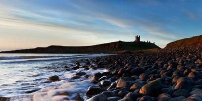https://imgc.allpostersimages.com/img/posters/dunstanburgh-castle-northumberland-england-united-kingdom-europe_u-L-Q12SEP80.jpg?p=0