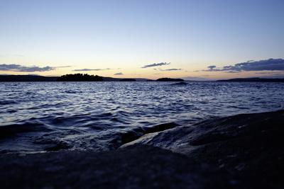 https://imgc.allpostersimages.com/img/posters/dusk-stora-le-lake-sweden_u-L-Q1EYJ0V0.jpg?artPerspective=n