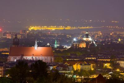 Night Scene in Krakow, Poland by dziewul