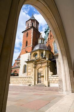Wawel Castle in Krakow, Poland by dziewul