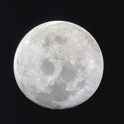 https://imgc.allpostersimages.com/img/posters/earth-s-moon_u-L-F9IF0F0.jpg?artPerspective=n