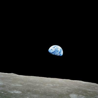 https://imgc.allpostersimages.com/img/posters/earthrise-over-moon-apollo-8_u-L-PL11E60.jpg?artPerspective=n