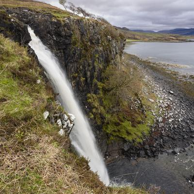 https://imgc.allpostersimages.com/img/posters/eas-fors-waterfall-near-ulva-ferry-isle-of-mull_u-L-PWFC9S0.jpg?p=0