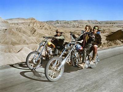 https://imgc.allpostersimages.com/img/posters/easy-rider-dennis-hopper-peter-fonda-1969_u-L-PJUEOJ0.jpg?artPerspective=n