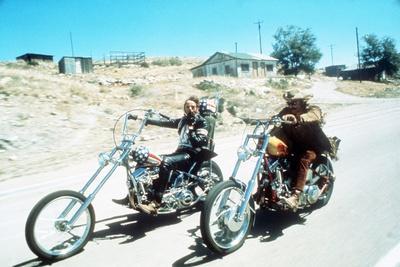 https://imgc.allpostersimages.com/img/posters/easy-rider-peter-fonda-dennis-hopper-1969_u-L-Q12P8US0.jpg?artPerspective=n