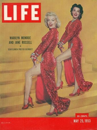 """Actresses Marilyn Monroe and Jane Russell in Scene from """"Gentlemen Prefer Blondes"""", May 25, 1953"""