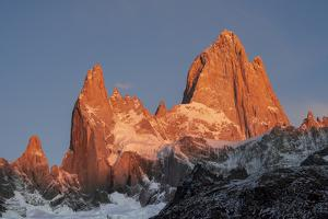 Mountain range of Cerro Fitz Roy and Cerro Torre at sunrise, Los Glaciares National Park, Argentina by Ed Rhodes