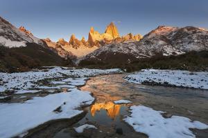 Mountain range with Cerro Fitz Roy, Los Glaciares National Park, Argentina by Ed Rhodes