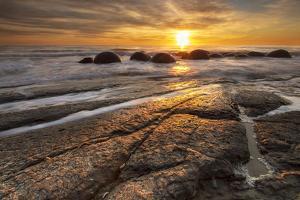 The Moeraki Boulders at sunrise, Moeraki Beach, Otago, South Island, New Zealand by Ed Rhodes