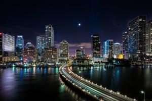 Miami City by Eddie Lluisma