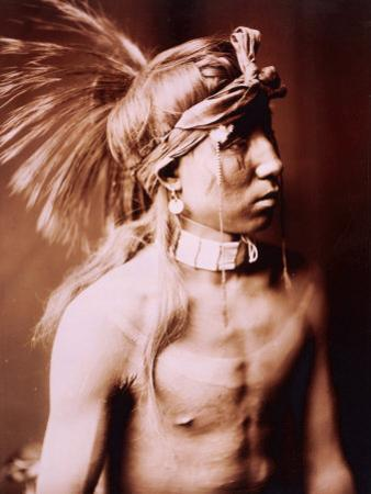 Shows As He Goes by Edward S. Curtis
