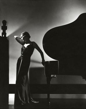 Vogue - November 1935 - Piano Silhouette by Edward Steichen