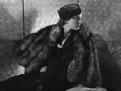 Vogue - September 1935 - Gerda Sommerhoff Models Fur Cape by Edward Steichen