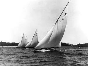 Six-Metre Elimination Race by Edwin Levick