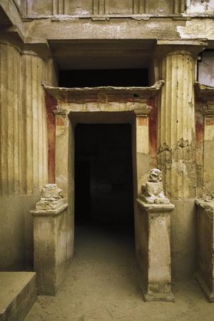 https://imgc.allpostersimages.com/img/posters/egypt-alexandria-catacombs-of-kom-esh-shuqafa-hypogeum-of-mustafa-pacha_u-L-POPAVN0.jpg?p=0