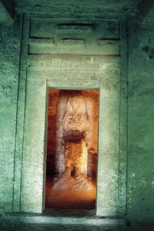 https://imgc.allpostersimages.com/img/posters/egypt-amarna-tell-el-amarna-necropolis-tomb-of-dignitary-ahmose-niche-with-statue_u-L-PRBNFR0.jpg?p=0