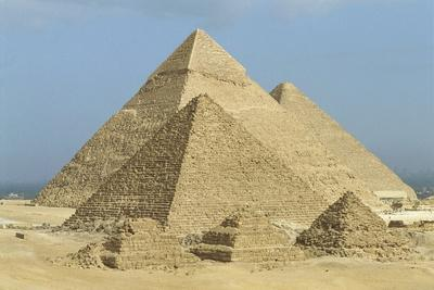 https://imgc.allpostersimages.com/img/posters/egypt-giza-governorate-giza-khufu-khafre-and-menkaure-pyramids_u-L-PP3LCH0.jpg?p=0