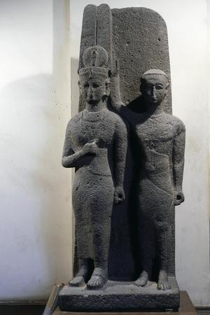 https://imgc.allpostersimages.com/img/posters/egypt-statuary-group_u-L-PRBKKF0.jpg?p=0