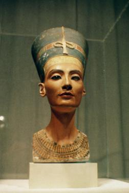 Bust of Queen Nefertiti, Front View, from the Studio of the Sculptor Thutmose at Tell El-Amarna by Egyptian 18th Dynasty