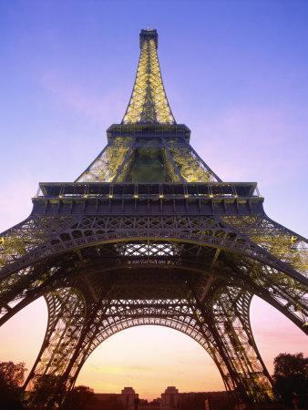 https://imgc.allpostersimages.com/img/posters/eiffel-tower-at-dusk-paris-france-europe_u-L-P7XII40.jpg?p=0