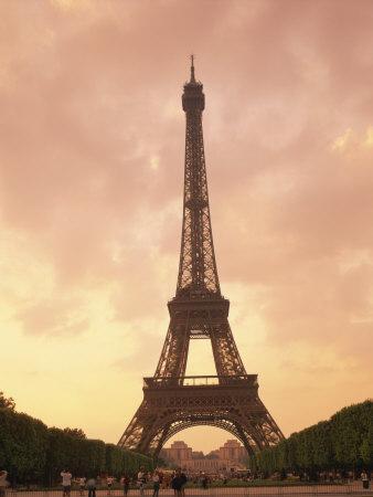 https://imgc.allpostersimages.com/img/posters/eiffel-tower-at-dusk-paris-france-europe_u-L-P7XJZG0.jpg?p=0