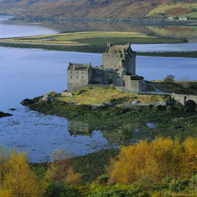 https://imgc.allpostersimages.com/img/posters/eilean-donan-castle-dornie-highland-region-scotland-uk-europe_u-L-P2QVJL0.jpg?p=0