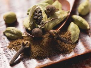 Cardamom Pods and Cloves by Eising Studio - Food Photo and Video