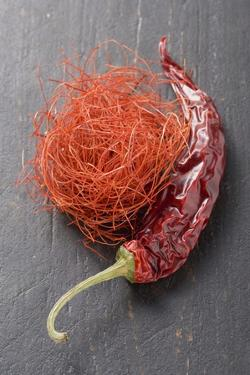 Chilli Threads and Dried Red Chilli by Eising Studio - Food Photo and Video