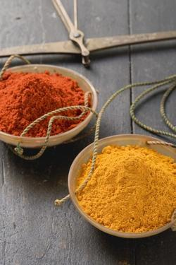 Curry Powder and Chilli Powder in Scale Pans by Eising Studio - Food Photo and Video
