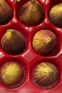 Fresh Figs in Market Packaging by Eising Studio - Food Photo and Video