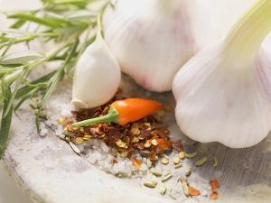 Garlic, Chilli and Chilli Flakes by Eising Studio - Food Photo and Video
