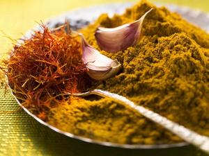 Spices for Pasta and Rice (Saffron, Curry Powder and Garlic) by Eising Studio - Food Photo and Video