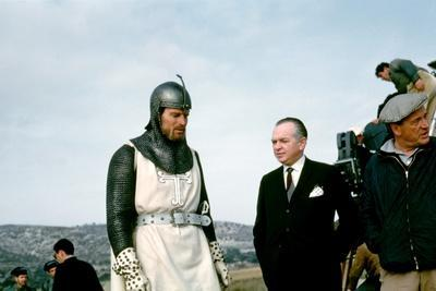https://imgc.allpostersimages.com/img/posters/el-cid-1961-directed-by-anthony-mann-on-the-set-charlton-heston-with-samuel-bronston-producer-a_u-L-Q1C40590.jpg?artPerspective=n