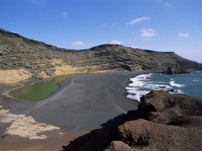 https://imgc.allpostersimages.com/img/posters/el-golfo-lanzarote-canary-islands-spain-atlantic_u-L-P1JQWT0.jpg?p=0