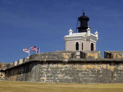 https://imgc.allpostersimages.com/img/posters/el-moro-fortress-unesco-world-heritage-site-san-juan-puerto-rico-usa-caribbean_u-L-PHAQM80.jpg?p=0