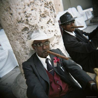 https://imgc.allpostersimages.com/img/posters/elderly-men-posing-with-cigars-havana-cuba-west-indies-central-america_u-L-P2QSZL0.jpg?p=0