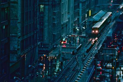 Elevated train in downtown Chicago, Cook County, Illinois, USA