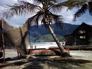 December 1946: Beach-Goers in the West Indies by Eliot Elisofon