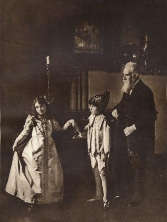 https://imgc.allpostersimages.com/img/posters/elizabeth-angela-marguerite-bowes-lyon-in-a-dance-lesson-with-her-brother-1909_u-L-Q1EFC4Y0.jpg?artPerspective=n