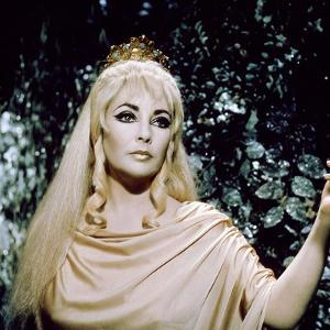 Elizabeth Taylor DOCTOR FAUSTUS, 1967 directed by RICHARD BURTON AND NEVILL COGHI (photo)