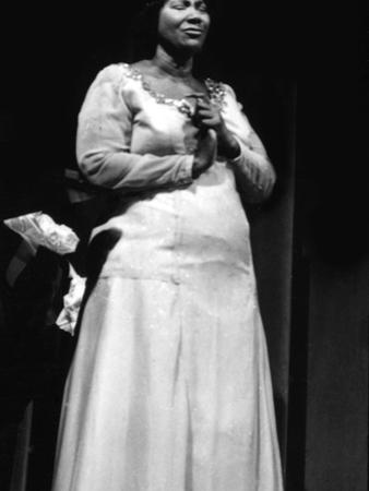 Mahalia Jackson - 1960 by Ellsworth Davis