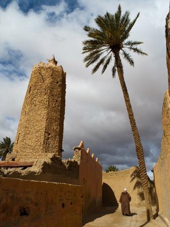 Moroccan Man, Stone Minaret of Sawmann Al-Hajaria, Figuig, Province of Figuig, Morocco