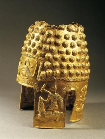 https://imgc.allpostersimages.com/img/posters/embossed-gold-helmet-from-poiana-prahova-romania-geto-dacian-civilization-5th-century-bc_u-L-POPEDP0.jpg?p=0