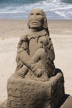 Mexico, Puerta Vallarta. Sand Sculptures by Emily Wilson