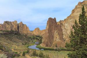 USA, Oregon, Redmond, Terrebonne. Smith Rock State Park. Crooked River. Basalt rocks and cliffs. by Emily Wilson