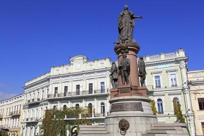 https://imgc.allpostersimages.com/img/posters/empress-catherine-monument-odessa-crimea-ukraine-europe_u-L-PQ8THB0.jpg?p=0