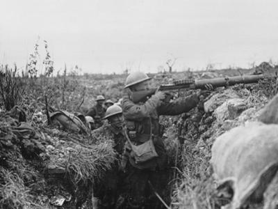 Lewis Gunner on the Firing Step of a Trench, 1916-18