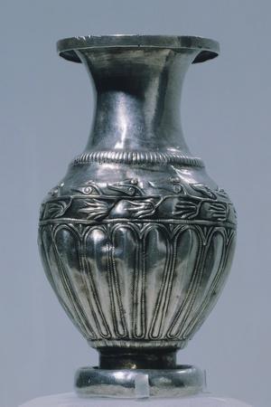 https://imgc.allpostersimages.com/img/posters/engraved-silver-hellenistic-jug-from-the-lukovit-treasure-bulgaria_u-L-POPBHG0.jpg?p=0
