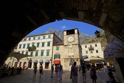 https://imgc.allpostersimages.com/img/posters/entrance-to-old-town-kotor-unesco-world-heritage-site-montenegro-europe_u-L-PNFYMP0.jpg?artPerspective=n